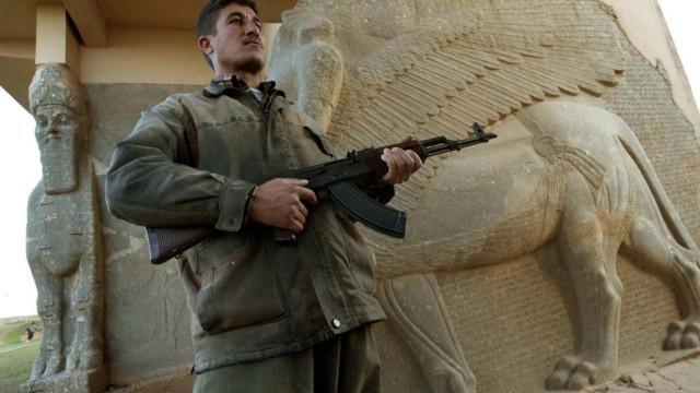 Wachposten an historischen Stätten im Irak