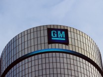 GM to buy back $5 bn in shares to avert proxy fight