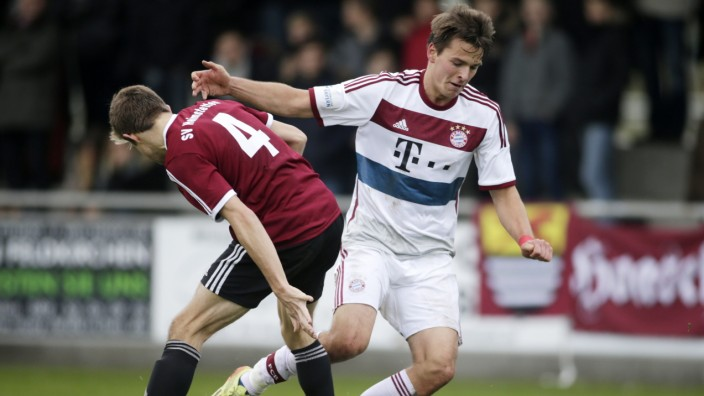 Heimstetten: FUSSBALL Regionalliga - SVH v FC Bayern München II