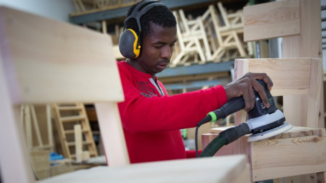 Cucula Flüchtlinge bauen Möbel Bei Cucula Refuggees Company for Crafts and Design bauen flüchtli