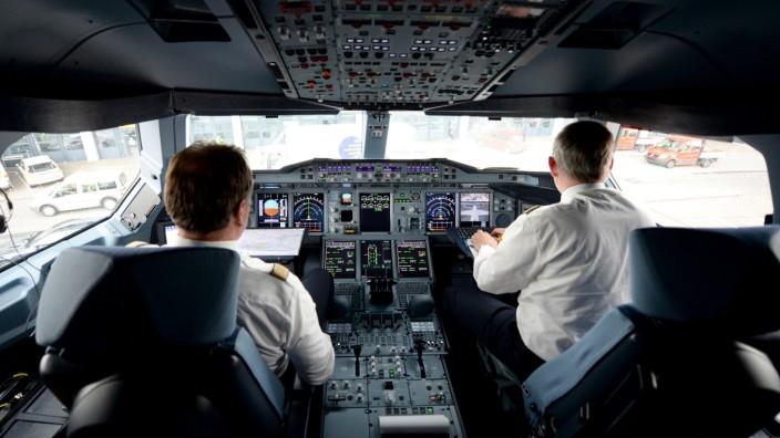 Germanwings A320 abgestürzt - Piloten im Cockpit