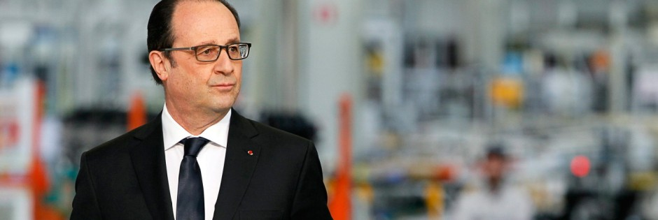 French President Hollande visits the PSA Peugeot Citroen engine f
