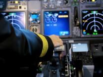 Cockpit einer Boeing 737-800