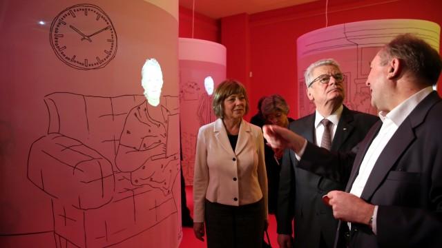 Ausstellung über das Altern 'Dialog mit der Zeit'