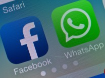 Facebook Whatsapp Smartphone Screenshot
