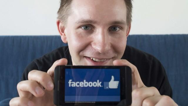 Max Schrems Facebook