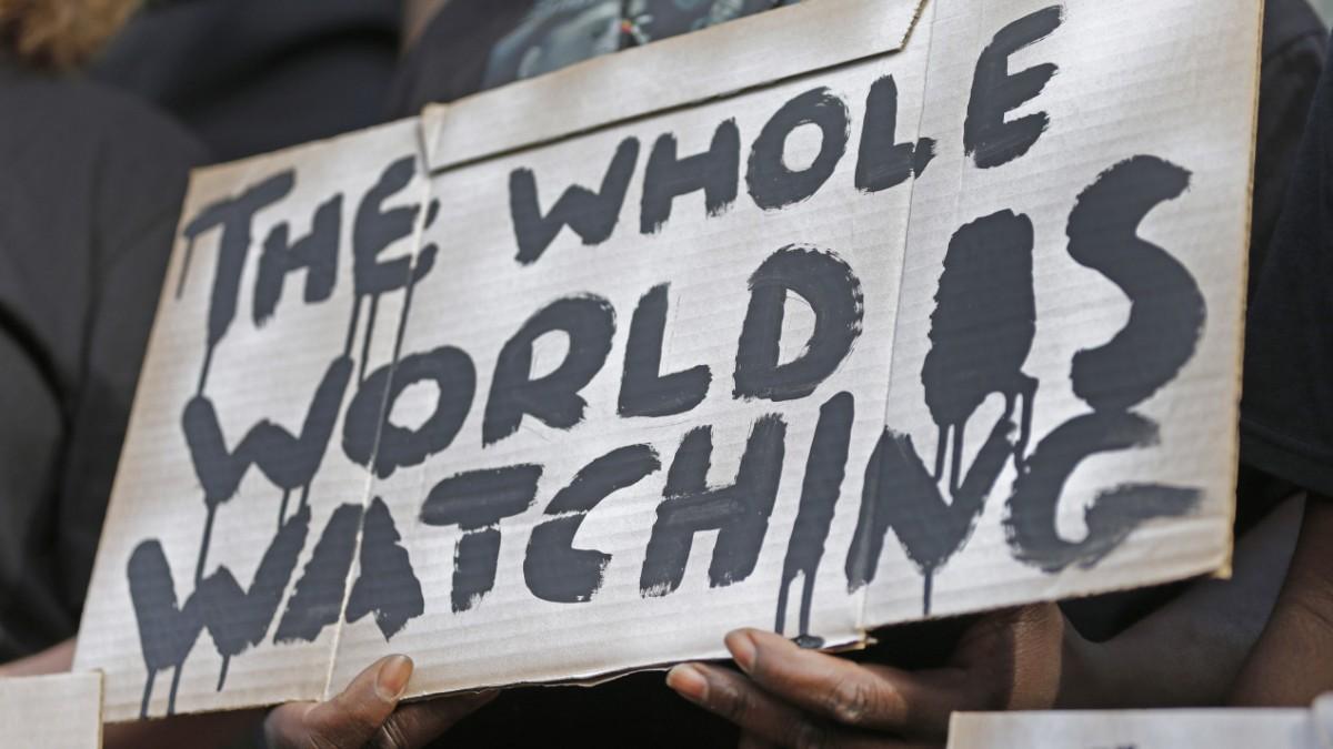 Warum sich brutale Cops vor Smartphones fürchten