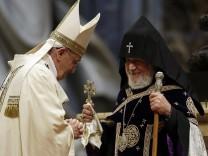 Papst Franziskus und Karekin II