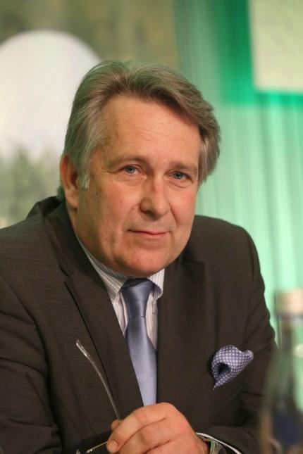 Claus M. Kobold