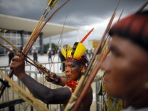 Brazil indigenous protest for land reform