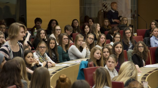 Mädchenparlament Plenum
