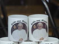 Papsttassen in Marktl am Inn, 2010