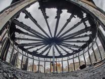 """Feuer in Flüchtlings-Kunstprojekt ´Das Haus der 28 Türen"""""""