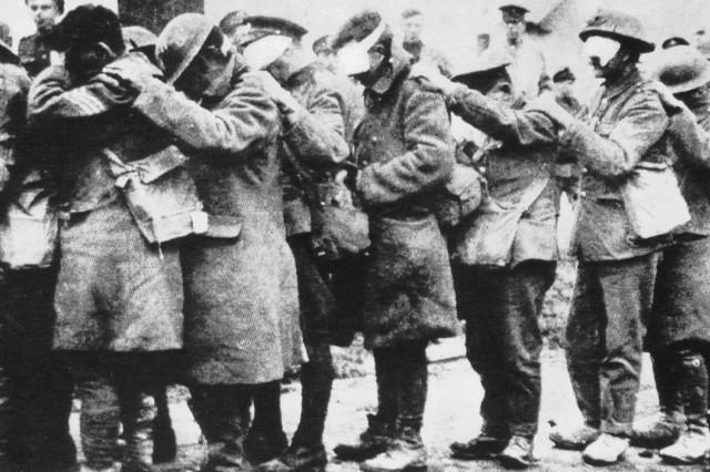 Gruppe gasblinder englischer Soldaten, 1915
