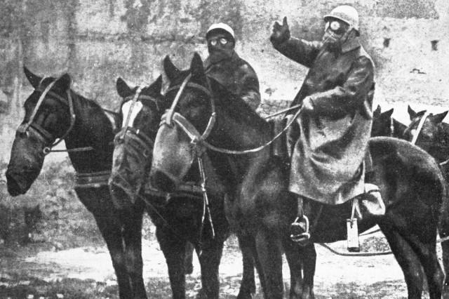 Reiter im Gaskrieg, 1917