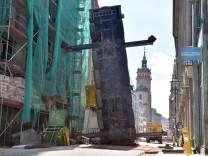 Kran in Leipzig umgekippt: Bauarbeiter tot