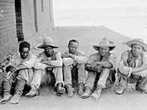 Gefangene Herero in Deutsch-Südwestafrika, 1905