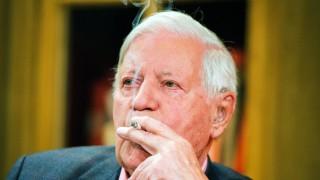 Helmut Schmidt Hat Aufgehört Zu Rauchen Panorama Süddeutschede