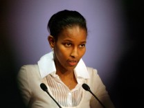 Umstrittene Abgeordnete Hirsi Ali verlässt Niederlande