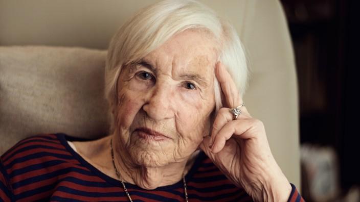 KZ Überlebende Esther Bejarano Auschwitz Holocaust
