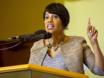 Baltimore mayor Stephanie Rawlings-Blake speaks at church in Baltimore, Maryland