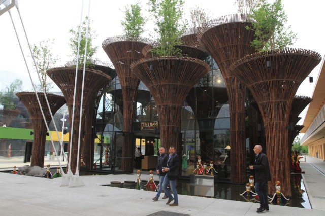 Expo 2015 World fair opens in Milan