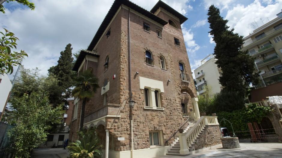 Italy, Rome: Casa Santa Maria delle Suore del Bell'Amore, guest house in Via delle Medaglie D'Oro