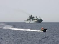 """Einsatzgruppenversorger ´Berlin"""" bei Seenot-Übung im Mittelmeer"""