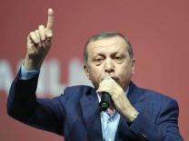 Recep Tayyip Erdogan spricht in Karlsruhe