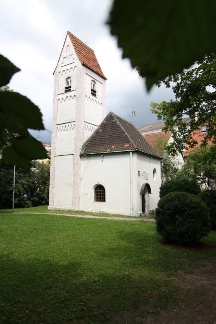 St.-Georgs-Kirche in Milbertshofen, 2011