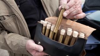 Original Böllerschützen Trudering auf dem Freigelände nördlich der Messe zum Übungsböllern, denn sie machen im Mai einen Umzug zu ihrem 25-jährigen Bestehen.