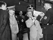Adolf Hitler, Albert Speer und Josef Thorak in München, 1936