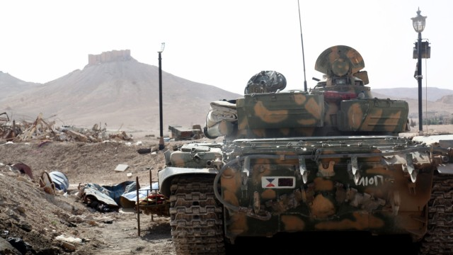 Syrian troops pushed back Islamic State militants from Palmyra