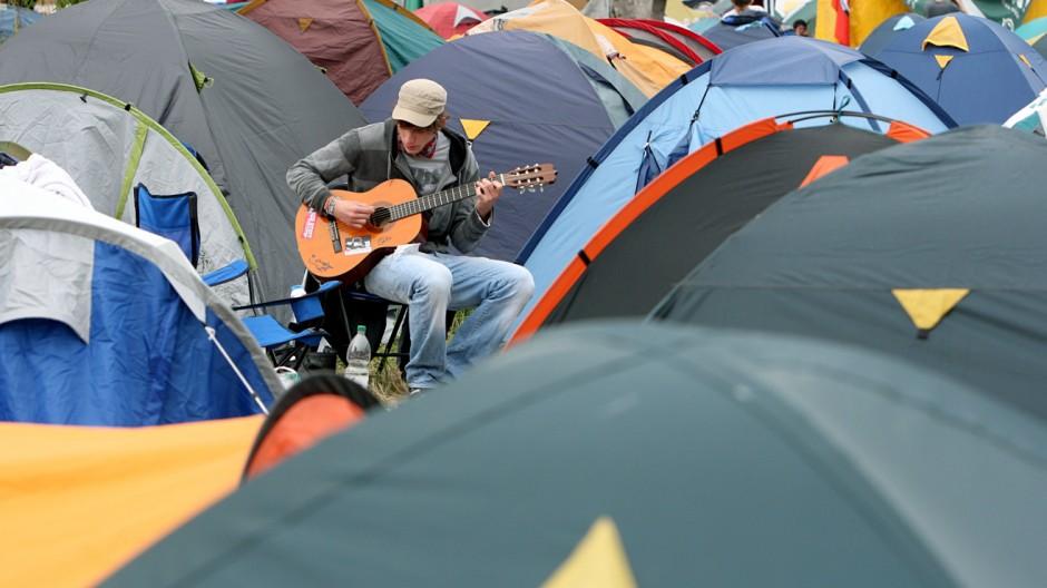 G8 - Camp
