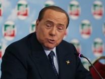 Berlusconi's press conference in Naples