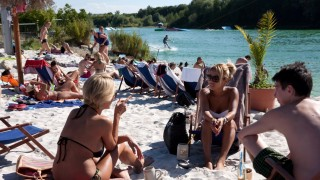 Am 'Robertobeach' (Eventlocation - Beachclub)