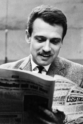 Alfred Neven DuMont liest Kölner Express