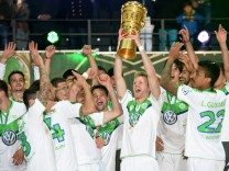 Borussia Dortmund v VfL Wolfsburg - DFB Cup Final