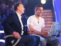 Wer wird Millionär Promi-Special RTL Holger Stromberg und Lukas Podolski (r.)