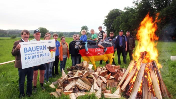Mahnfeuer der MIlchbauern; Demo der Milchbauern