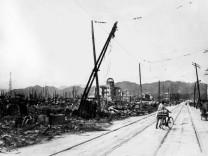 Hiroshima nach dem Atombombenabwurf, 1945,Hiroshima nach dem Atombombenabwurf, 1945!!!Achtung, nur in einer reinen SZ-Photo-Biga in Zusammenhang mit dem 70. Jahrestag der Atombombenabwürfe über Japan zu verwenden!!!