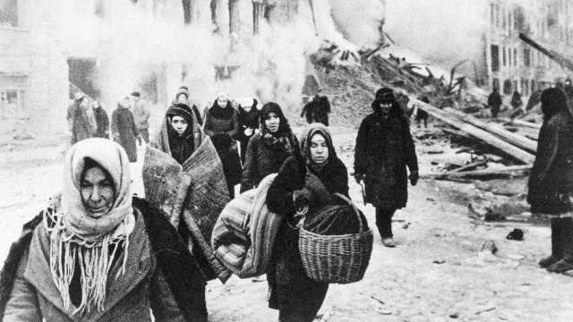 Frauen in Leningrad