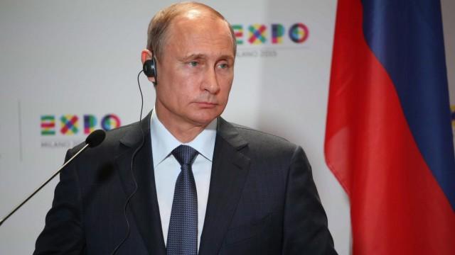 Russian President Vladimir Putin visits Milan Expo