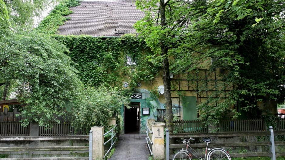 """Kneipe in Freising """"Abseits"""" Haus ist ein Baudenkmal"""