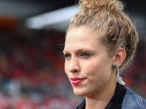 Kim Kulig TV Expertin ZDF Porträt Portrait Fussball FIFA Frauen WM 2015 Deutschland Elfen; Kim Kulig ZDF