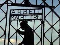 Neues 'Arbeit macht Frei'-Tor für Dachau