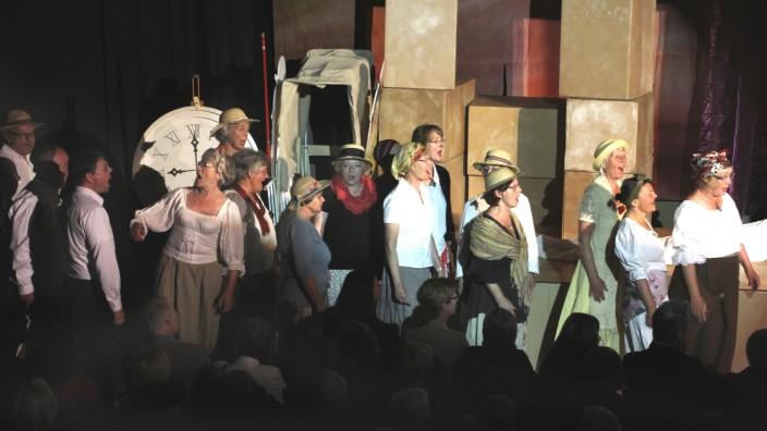Opernaufführung in der Schloßberghalle