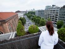 Isar Medizinzentrum, Sonnenstraße, zwischen Sauter und Isarpost