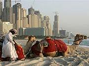 Am Strand von Dubai, AP