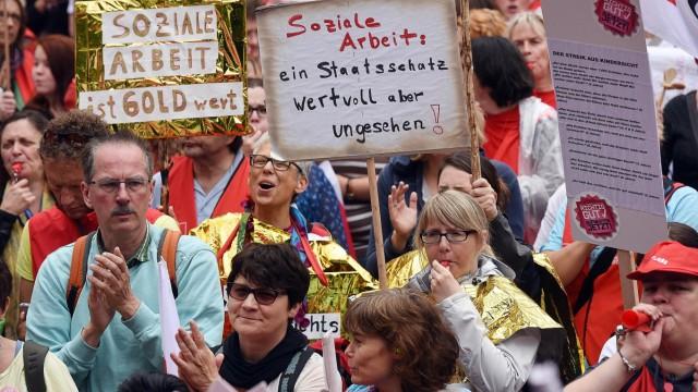 Demonstration für Sozial- und Erziehungsdienste